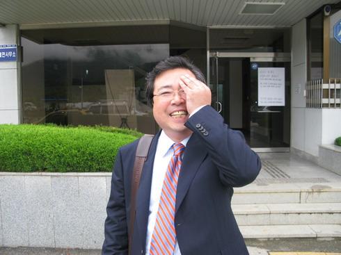 hong_2_resize.JPG